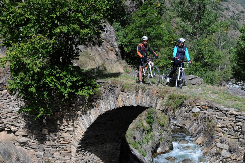 cycling-through-the-land-of-the-bear-5